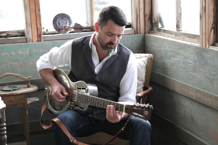1 april 2019 - Martin Harley is een Engelse roots / blues gitarist en singer-songwriter.