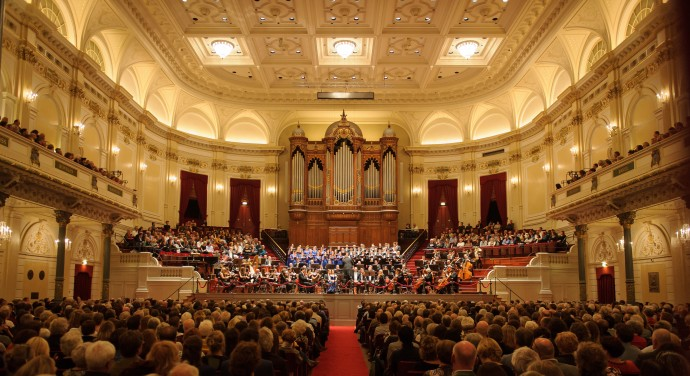 The New Romanian Choir & The International Symphony Orchestra  - Muziekgebouw Eindhoven